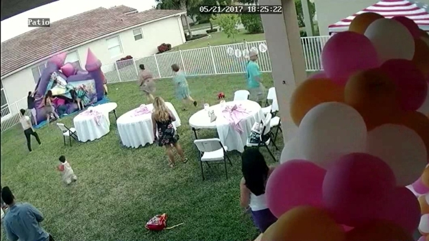Man Unplugs Bounce House With Kids Inside