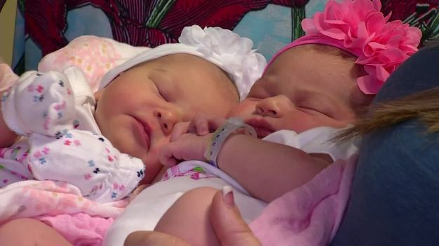 Sisters Give Birth to Daughters an Hour Apart