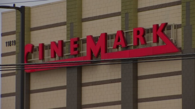 Cinemark Restricts Bag Sizes Allowed in Theaters