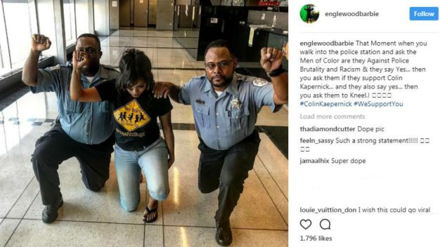 Photo of Chicago Cops Kneeling, Raising Fists Prompts Reprimand