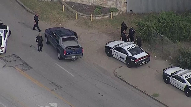 Dallas Police Arrest Suspected Carjacker After Chase