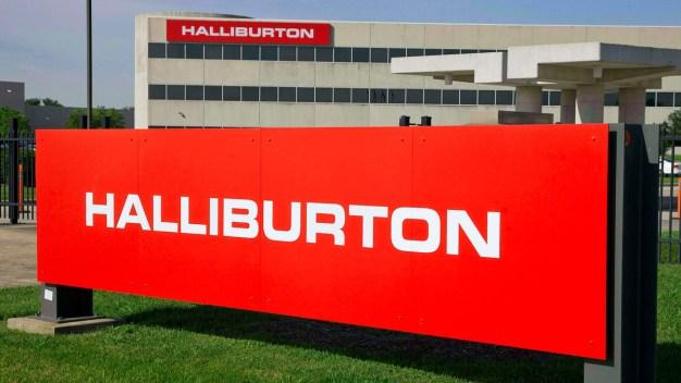 Halliburton Reports Surprise Profit, Shares Rise