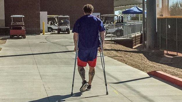 Josh Hamilton Leaves Practice to Have Knee Evaluated