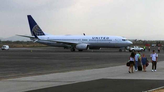 Texas-Bound United Plane Makes Emergency Landing