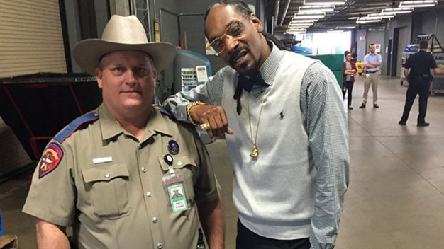 Trooper Forced Into Couseling for Photo With Rapper