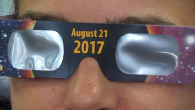 Libraries Flooded With Phone Calls For Eclipse Glasses