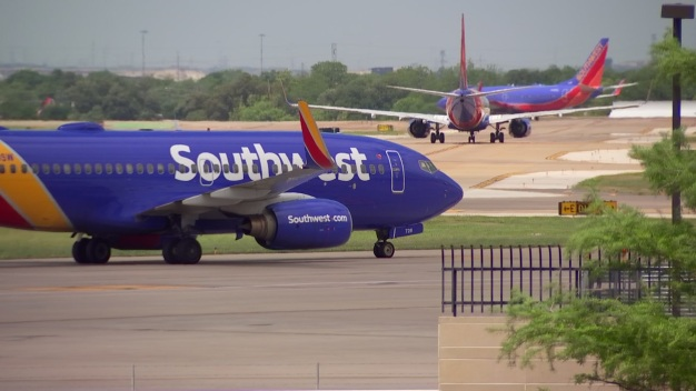 Man On Dallas-bound Flight Faces Assault Charge: Feds