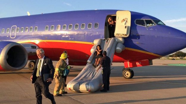 Slides Used to Evacuate Dallas-Bound Southwest Flight