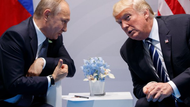 Trump to Pay His Own Legal Bills in Russian Probe