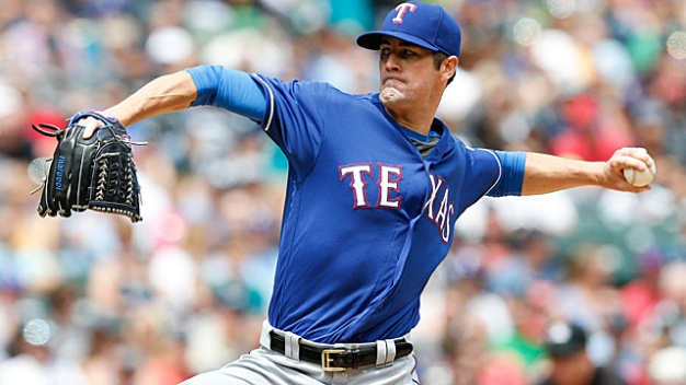 Hamels Limits Slugging Yankees as Last-Place Rangers Win