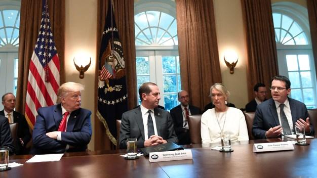 Trump Hosts Heated White House Vaping Debate