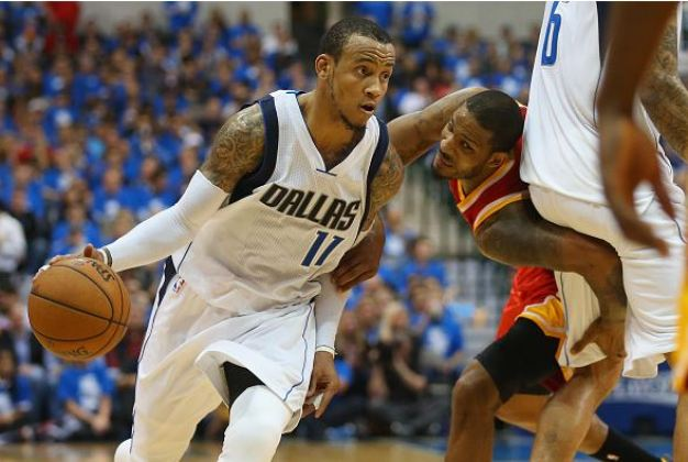 Mavs Stay Alive with 121-109 Win Over Rockets