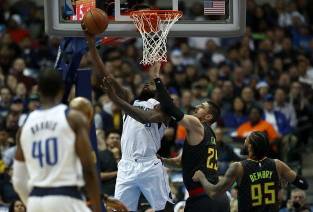 Mavs Extend Home Streak, End Skid vs. Hawks