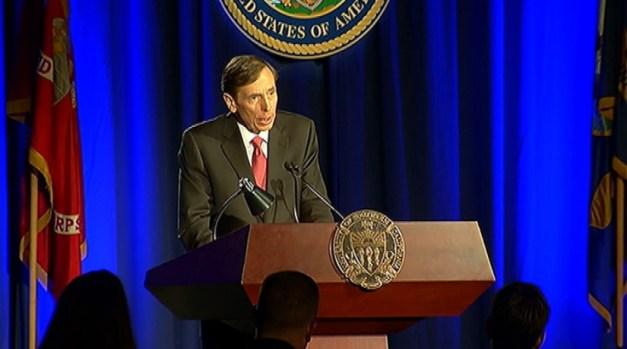 [LA] David Petraeus Apologizes for Affair That Prompted Resignation