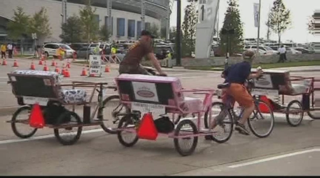 [DFW] Rickshaws Pedal Their Way Into Oak Cliff