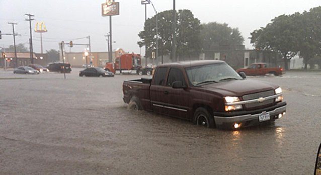 Thunderstorms Bring Hail and Flooding to N. Texas