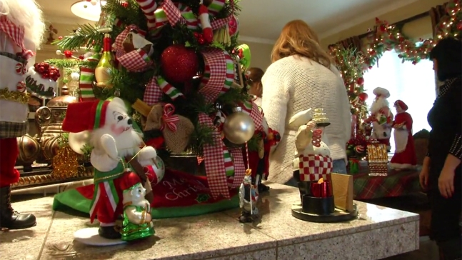 Calif. Woman Decorates Home With 23 Christmas Trees