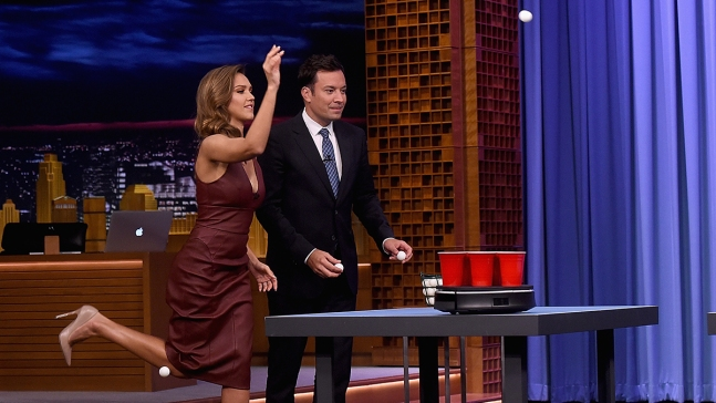 'Tonight Show': Jessica Alba, Jeff Foxworthy Try Roomba Beer Pong
