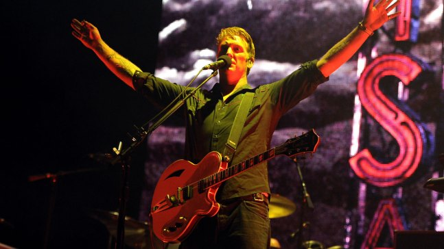 Queens of the Stone Age Singer Apologizes for Concert Kick