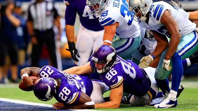 Emmitt Smith: AP Would Make Dallas a Super Bowl Team