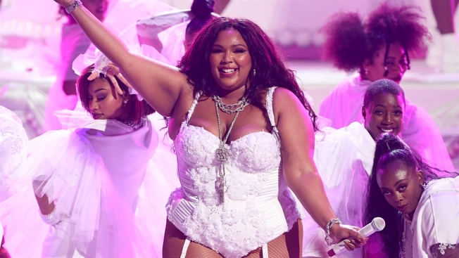 Lizzo Goes Completely Naked For NSFW, Home Photoshoot