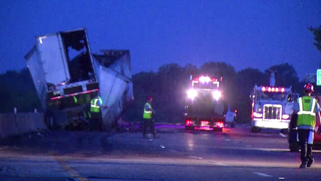 Wreck Shuts Down I-20 in Mesquite Until Noon
