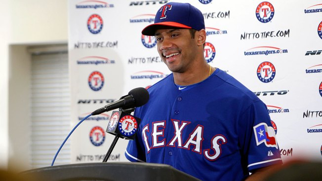 Seahawks QB: Rangers Want Me to Play Baseball