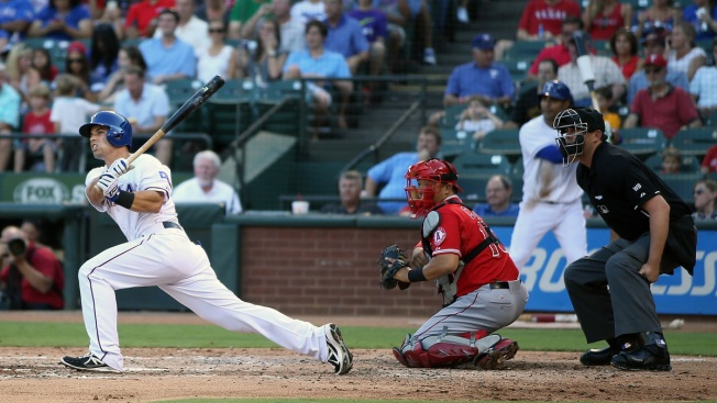 Angels Start Fast in 15-6 Romp at Texas