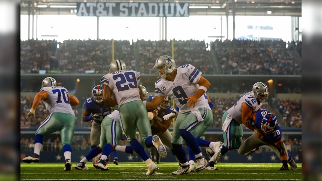Cowboys Hold Off Giants, 31-21