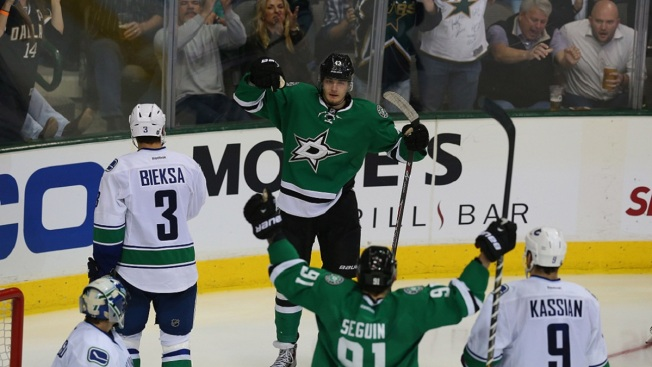 Benn, Sceviour Net 15 Seconds Apart in Stars' Win