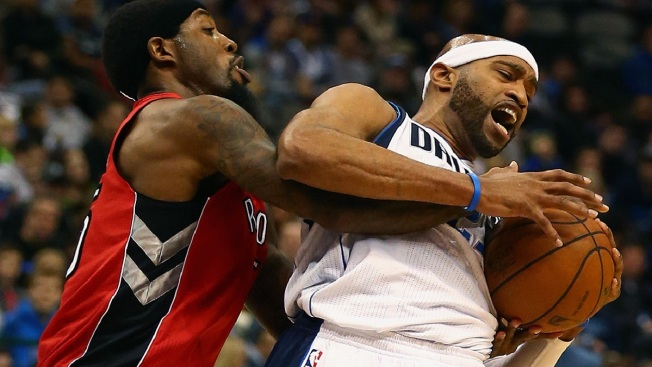 Vince Carter Soaring as Mavs Surging