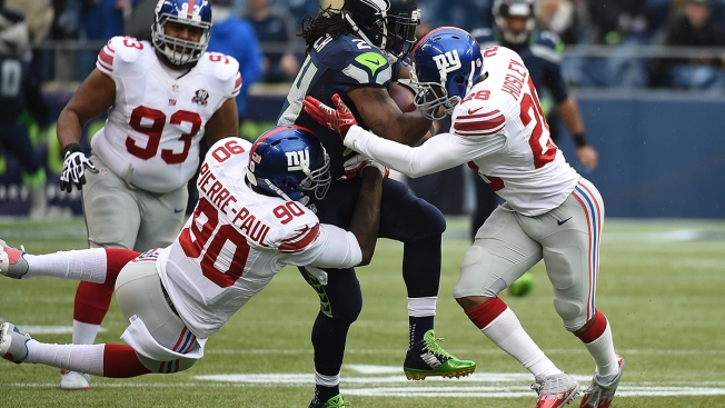 NFC East Watch: Giants' Pierre-Paul Hurts Hand in July 4 Fireworks Accident