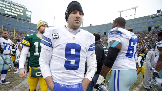 Tony Romo Still Staying Away From the Golf Course