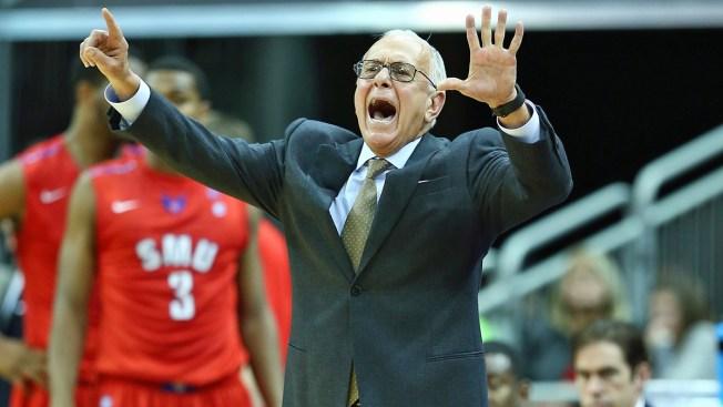 Cincinnati Ends Strong in 62-54 Win at No. 23 SMU