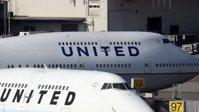 United to Refund $200 Overweight Bag Charge to Texas Soldier