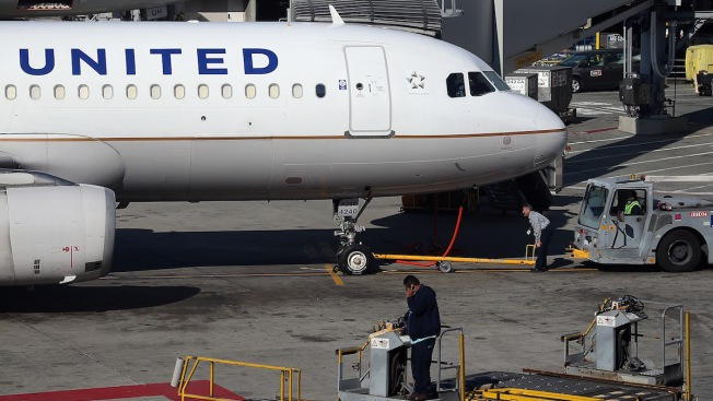 United Shifting Jobs at 12 Airports to Cut Costs