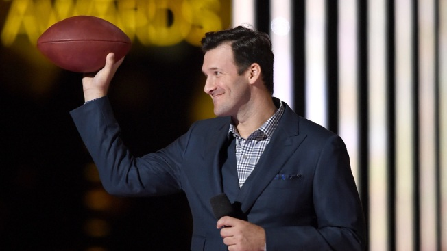 Tony Romo Helps Police Fundraiser