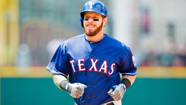 Rangers' Josh Hamilton Out 4 Weeks with Left Hamstring Strain