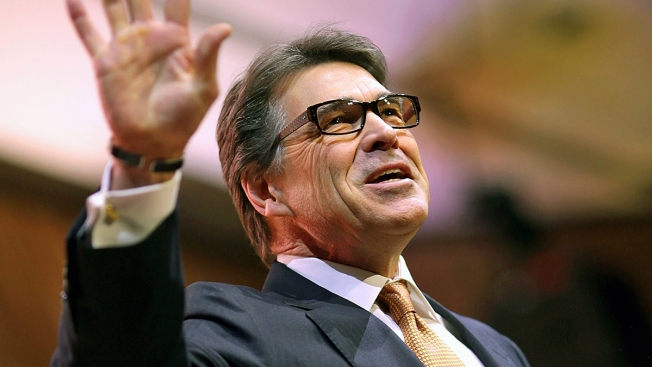 Perry Aides Enter Grand Jury Room Amid Veto Probe
