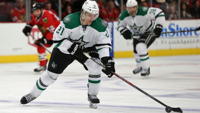 Stars reach 4 year deal with antoine roussel nbc 5 for Interieur sport antoine roussel