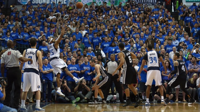 Carter Beats Buzzer, Sends Mavs Past Spurs