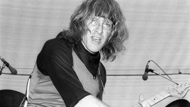 Paul Kantner, Jefferson Airplane Co-Founder, Dies at 74