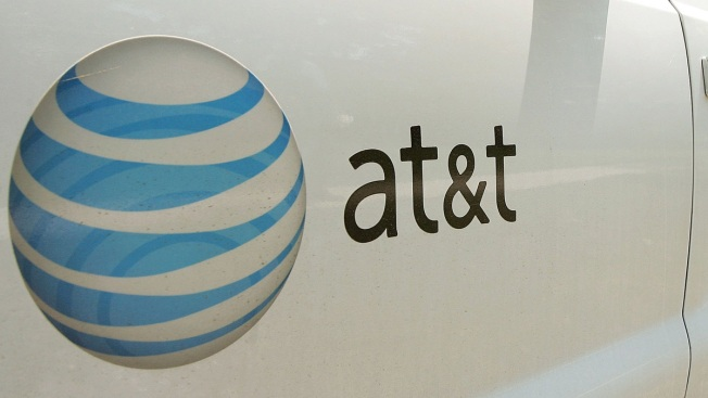 Citing Wireless Trends, AT&T Raises Sales Outlook