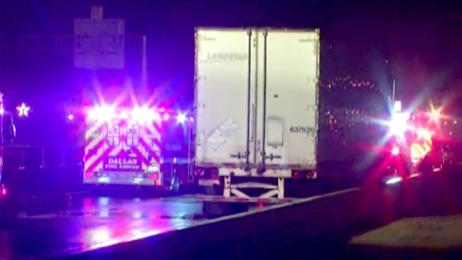 Semi-Trailer Wrecks, Spills Fuel Onto U.S. 75