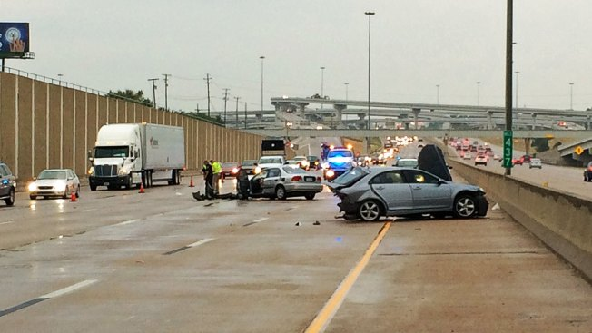 1 Injured in Critical Crash; Loop 820 Reopens