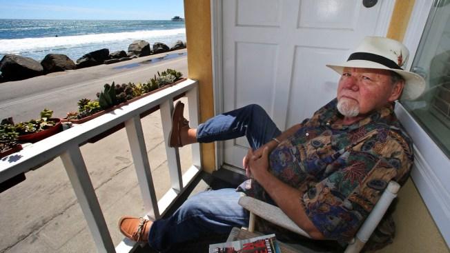 'Ghostbusters' Logo Creator Michael Gross Dies at 70