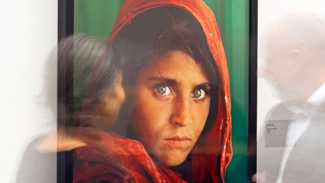 Pakistan to Deport National Geographic's 'Afghan Girl'