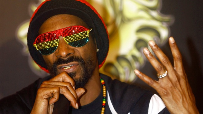 Swedish Police Question Snoop Dogg for Suspected Drug Use