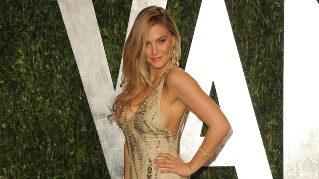 Supermodel Bar Refaeli Slams Reports Saying She Can't Get a Date