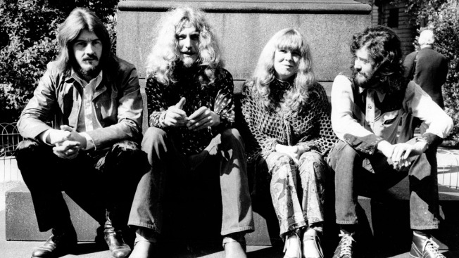 "Lawyer Alleges Led Zeppelin Stole Opening Notes to ""Stairway to Heaven"""